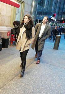 Street fashion a New York nella mezza stagione