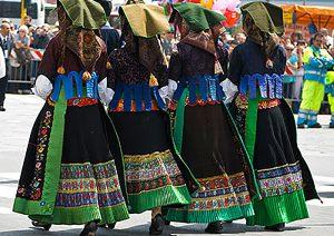 abiti tradizionali in Sardegna