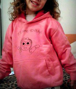 Una felpa del marchio Pupy. E' più facile vestire i bambini dai 3 anni in su mentre non si sa come vestire un neonato d'inverno