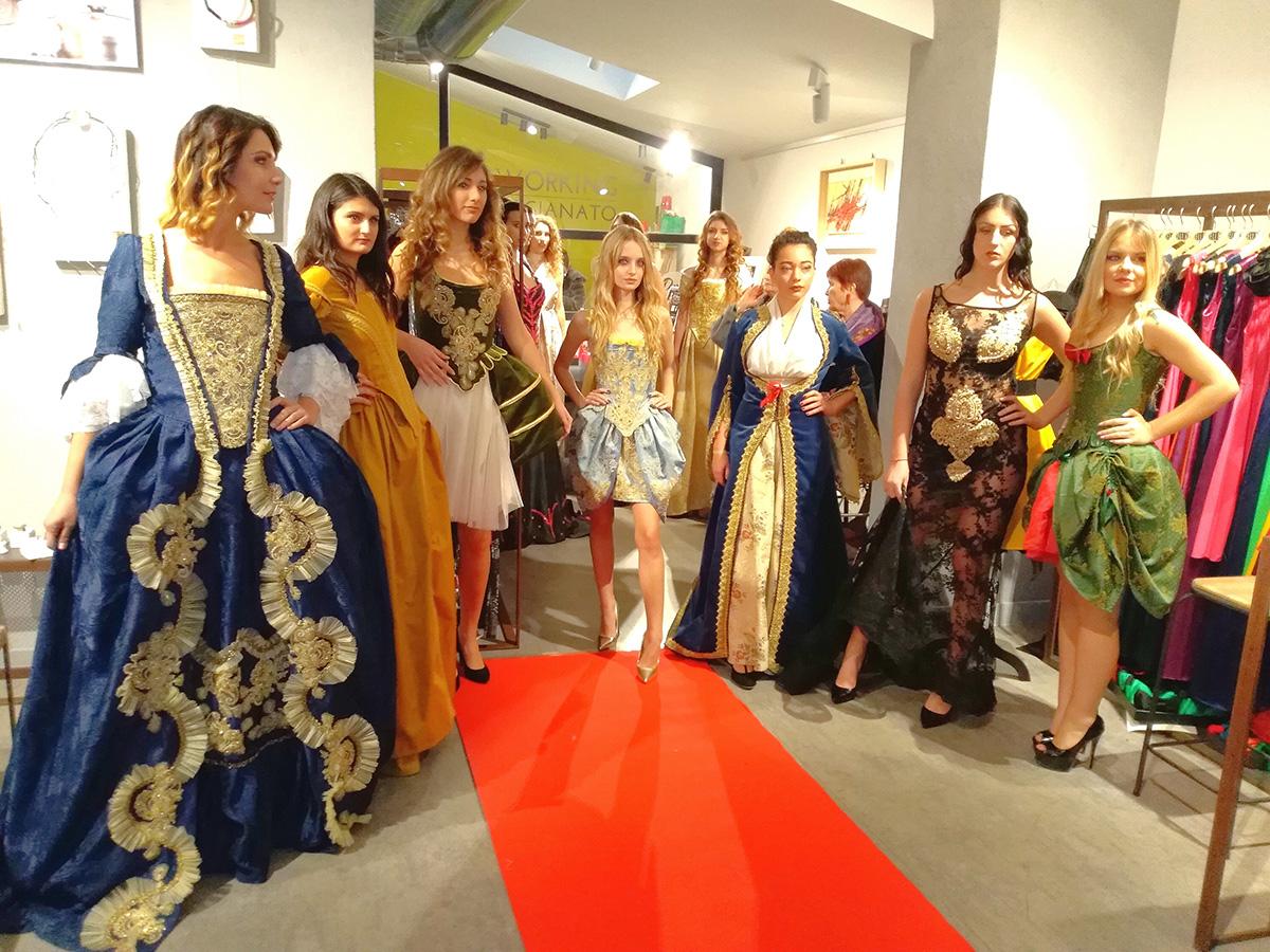 la collezione barocca presentata alla sfilata di alta moda a Roma
