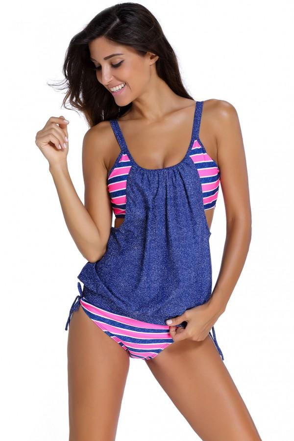 Tra l'abbigliamento online di Manzara anche i bikini