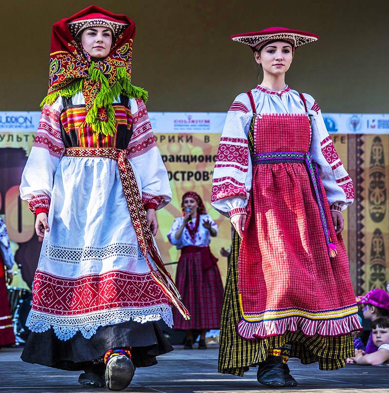 Alcuni abiti popolari della russia