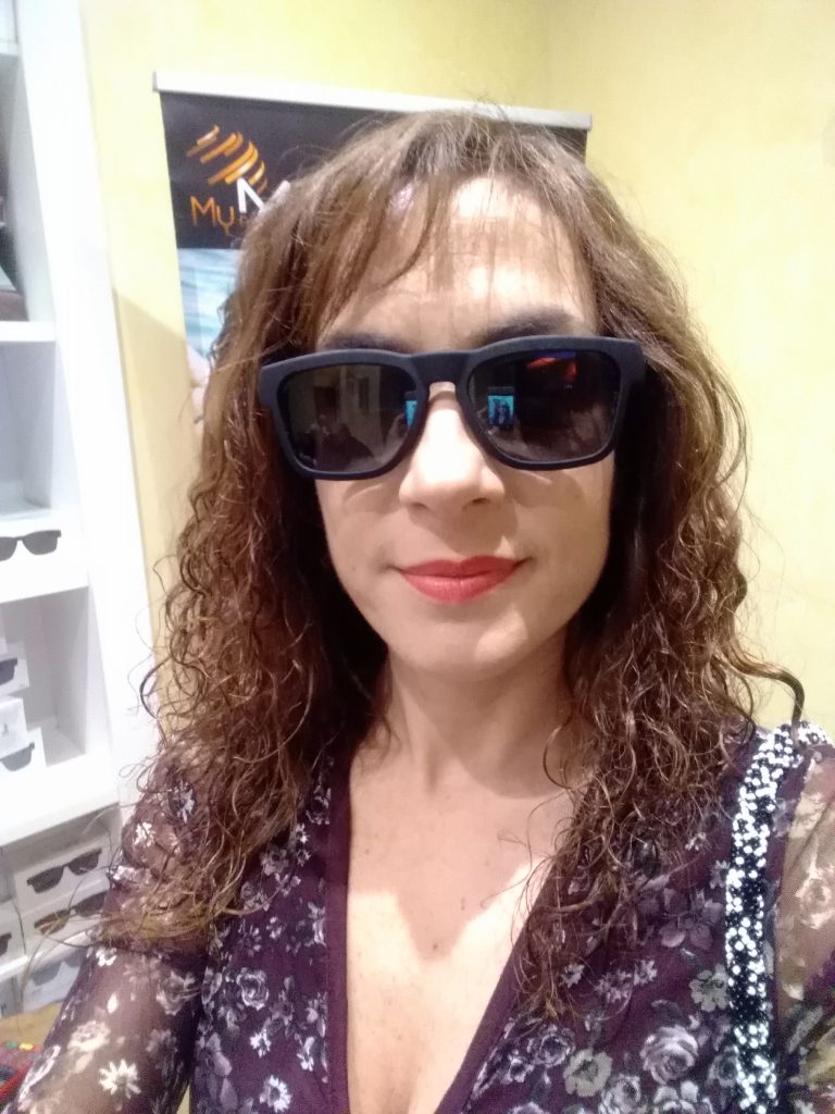 Gli occhiali Trendy Hand Free