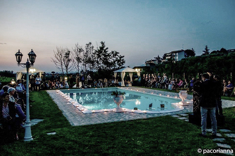 The day of The Summer Fashion and Art si svolge a bordo piscina