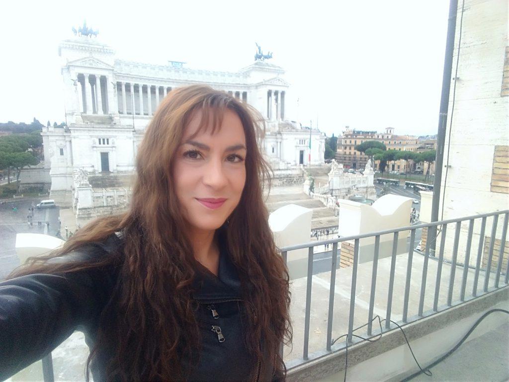 Candy Valentino sulla terrazza dell'Associazione Civita, in occasione della conferenza stampa de La Vendemmia di Roma