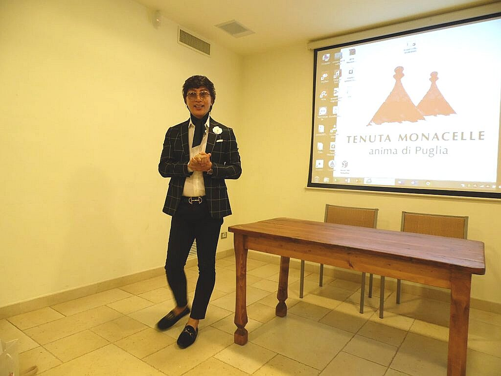 Kevin Lee talks about the holidays in Puglia