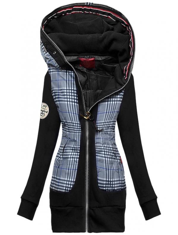 Un modello della moda cappotti 2020 con motivo plaid