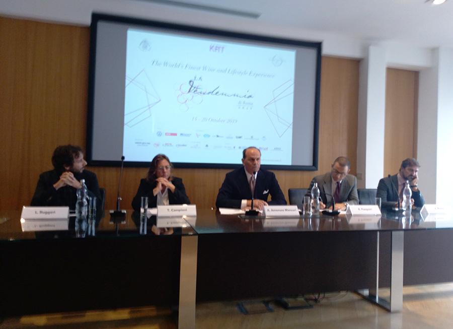 Presentare il lusso a Roma alla conferenza