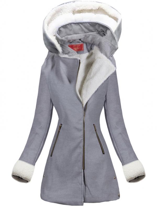 Uno dei modelli di cappotti della moda invernale 2020
