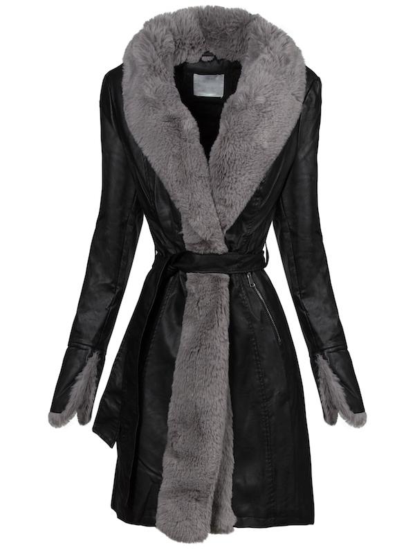 Bordature di pelliccia nella moda cappotti 2020