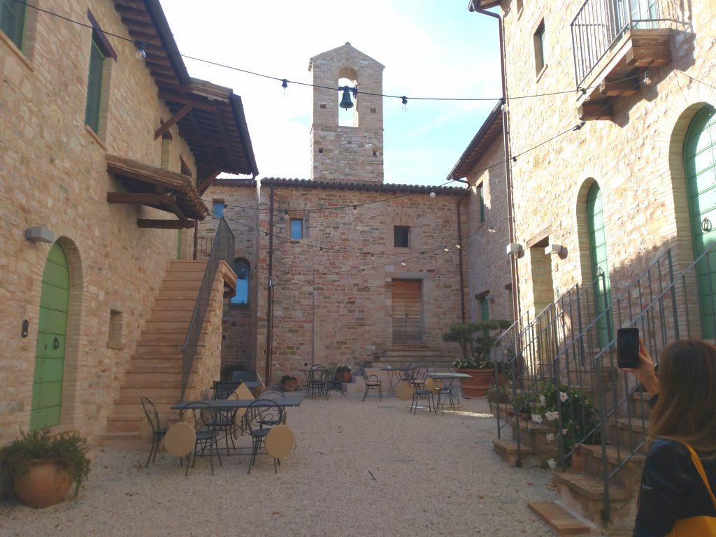 Tour Umbria: visita al borgo del castello di Gallano