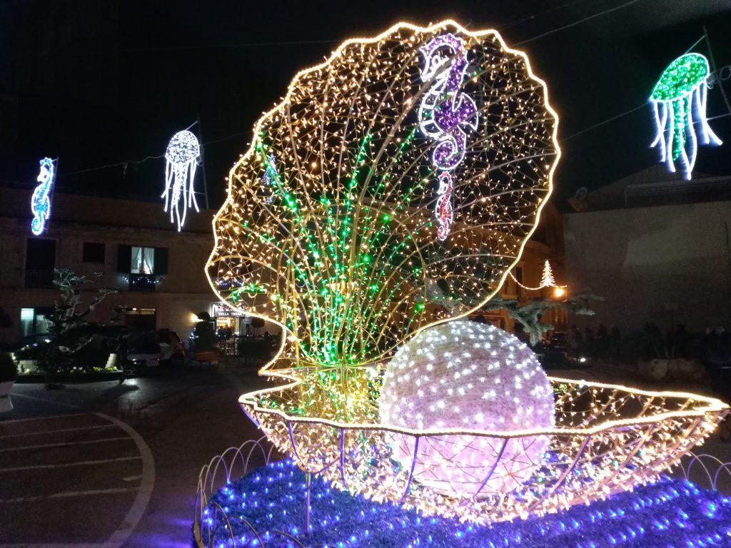 luci natalizie a Gaeta, tra le più belle illuminazioni di Natale in Italia