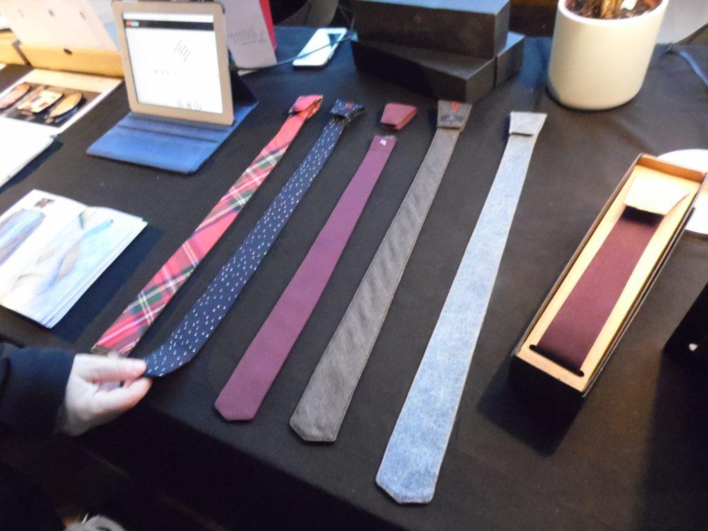 Le cravatte in vendita a Wave Market Fair