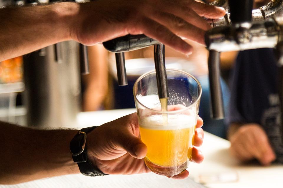 un bicchiere di birra artigianale