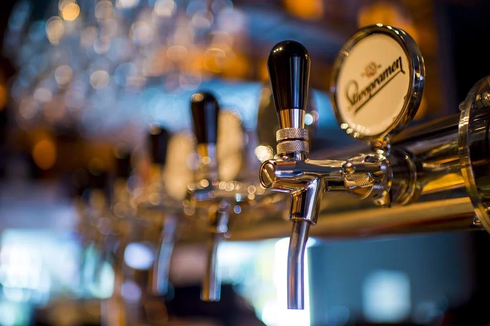spillare la birra artigianale