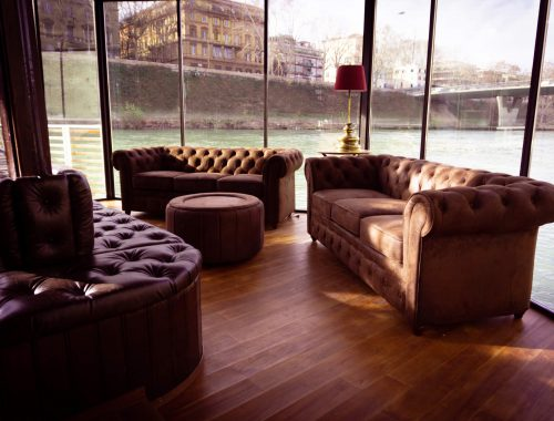 L'interno del whisky bar a Roma Dram