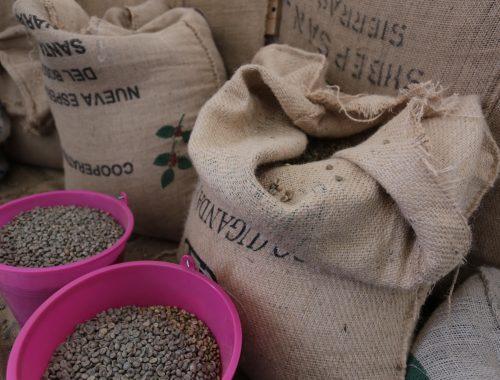 la produzione del caffè a napoli