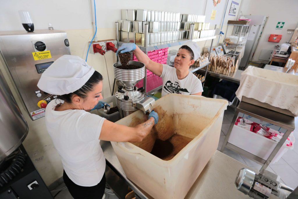 il caffè a Napoli delle Lazzarelle