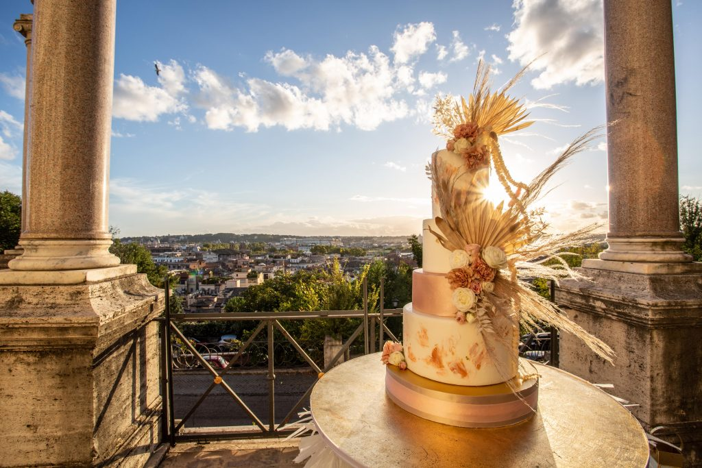 torta nuziale nella location matrimoni Roma Casina Valadier