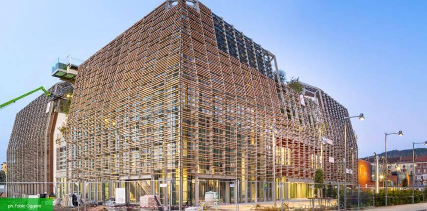L'edificio del Green Pea Torino