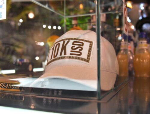 un cappello del brand streetwear di lusso 0stentation