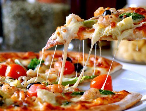 la pizza di Da Attilio a Napoli